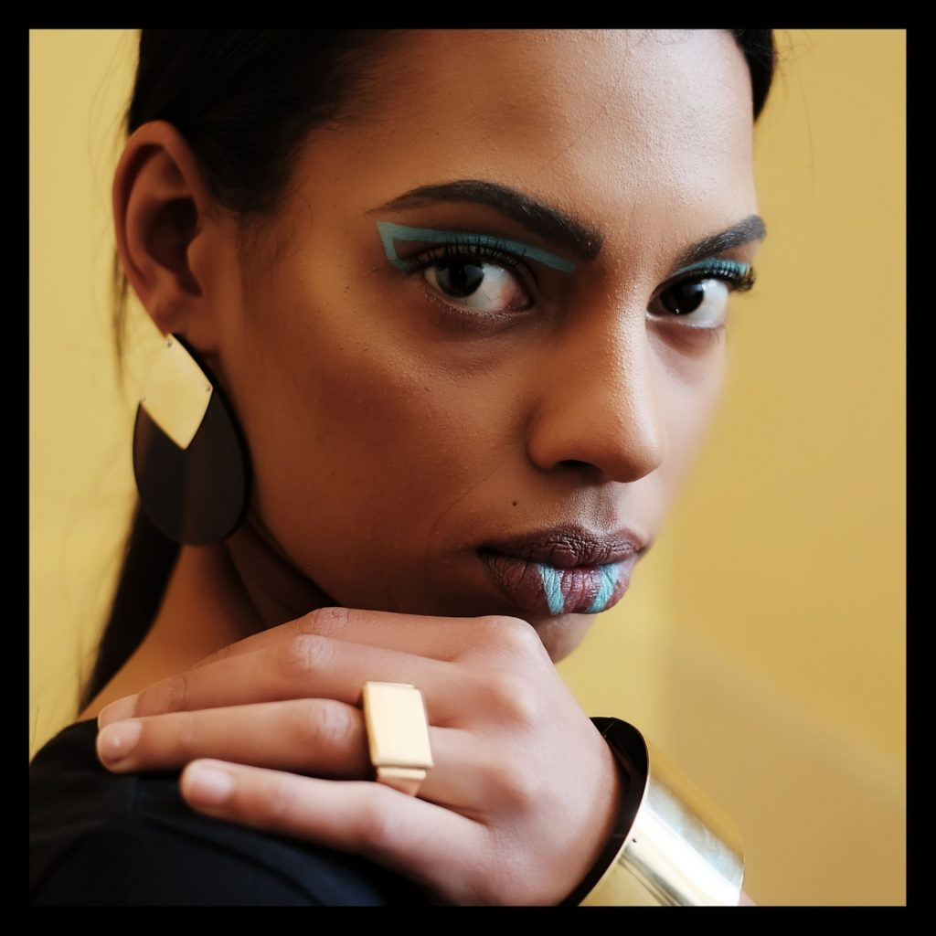 MAKE AN IMPRESSION WITH THESE 5 ACCESSORIES - Style Africa by Roshan Isaacs